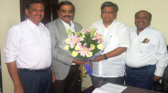 PIA Members with Jagadish Shettar