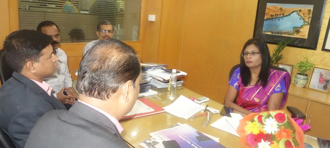 Smt.Manimegalai GM Vijaya Bank with PIA President & Hon Secretory